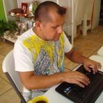 Rodolfo Rosas Creating His Mosaic Blog
